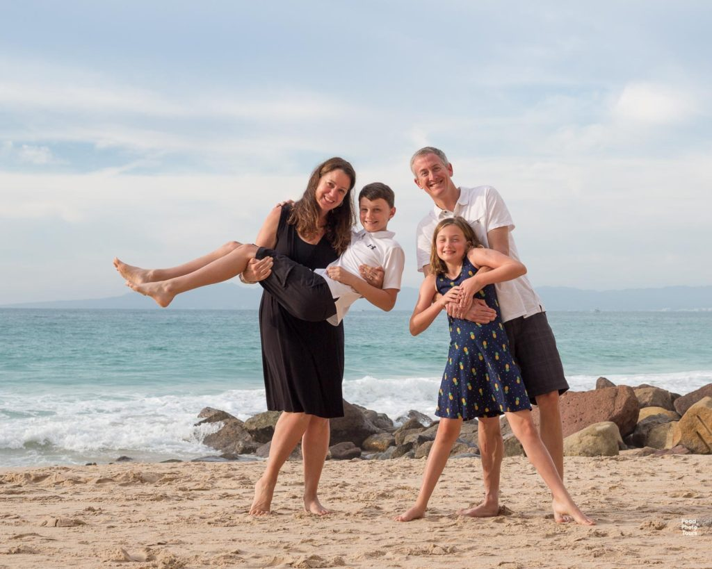 Puerto Vallarta Family Photos by Food and Photo Tours