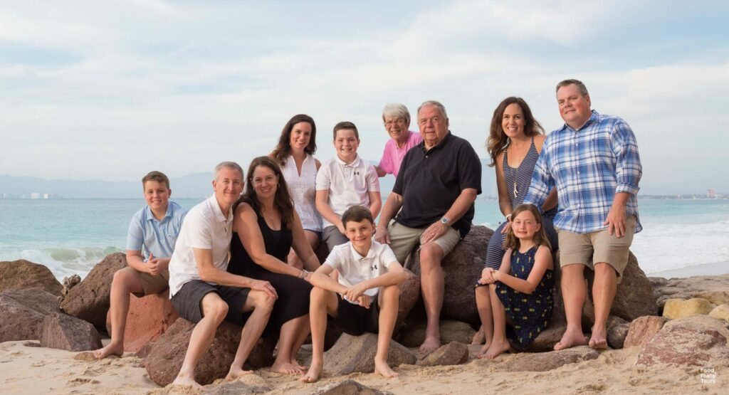 cropped-01-02-2019-Villa-Karaway-Family-Portrait-Photographer-in-Puerto-Vallarta-Engagement-Photographer-Puerto-Vallarta-Food-and-Photo-Tours-114.jpg